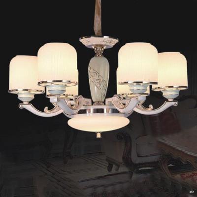Đèn chùm hiện đại mang phong cách Châu Âu đèn bằng hợp kim cao cấp khắc họa tiết nổi và chóa đèn bằng pha lê sang trọng 827/6