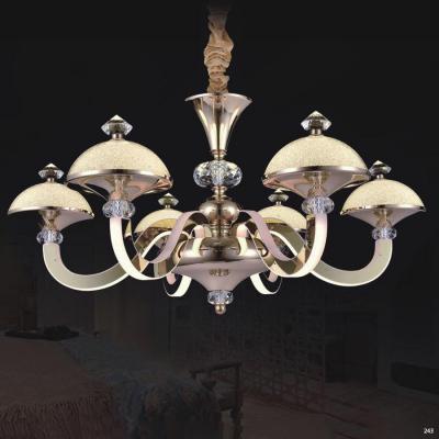 Đèn chùm pha lê led kiểu dáng Châu Âu thân làm từ hợp kim cao cấp không rỉ và chao đèn bằng pha lê kèm nhiều họa tiết sang trọng 9016-6