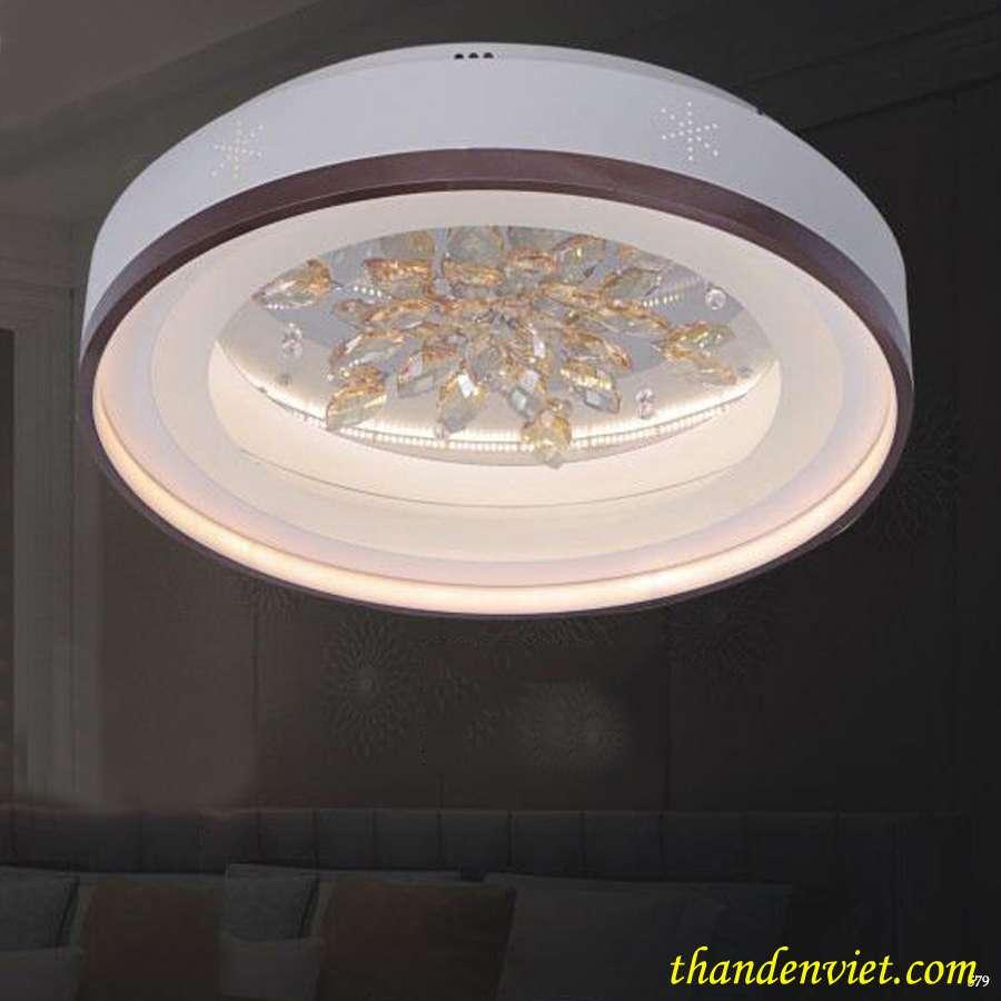 Đèn led ốp trần hình tròn hoạ tiết pha lê sắc xảo đẹp mắt 8182